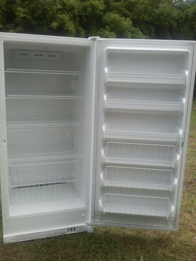 2009 23 Cubic Ft Kenmore Upright Freezer Like New