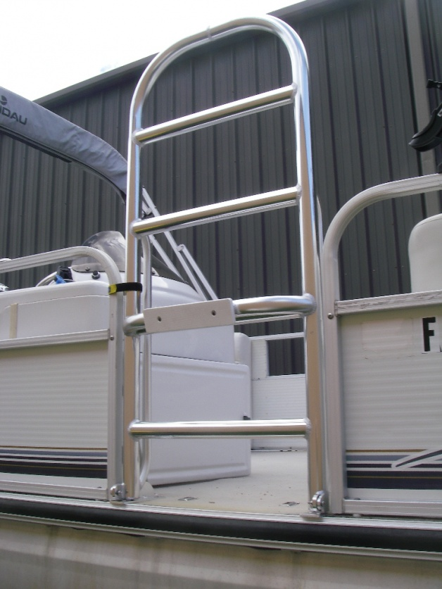 Breeze Fabricators Pontoon Boarding ladder-001-jpg