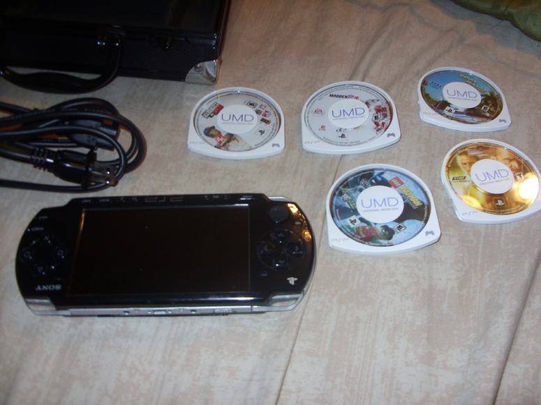 Sony Playstation PSP 2001 handheld console w 5 games & carrying case-007-jpg