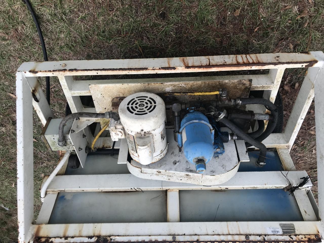 Water pump cart-0fc0c6db-f5e9-48c8-9117-22f7ae9972a5-jpg