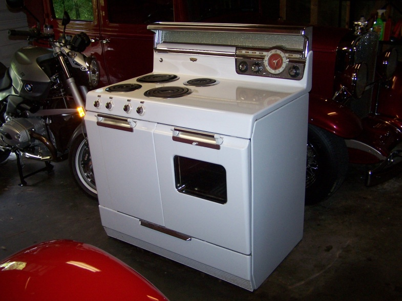 Vintage early 50's Frigidaire / GM Electric stove Minty-1-jpg