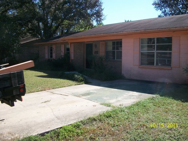 """""""Prime Real Estate - 5 bed, 3 bath Live & Work on 6 acres with a"""