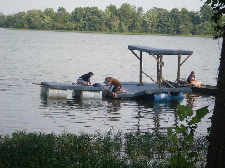 Redneck Pontoon boat-179809_104634969617542_100002131190669_42509_3535567_n-jpg