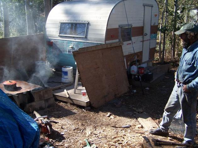 Homeless people on 3mb-2-jpg