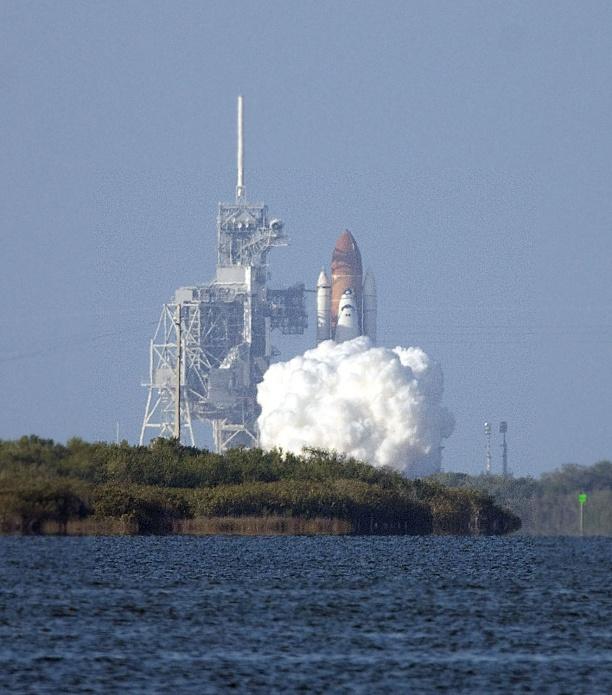 Feb 24 Shuttle Launch Pics-2011-02-24-17-57-37-copy-jpg