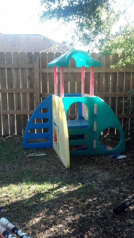 Kid stuff/toys-2012-11-03_15-39-56_710-jpg