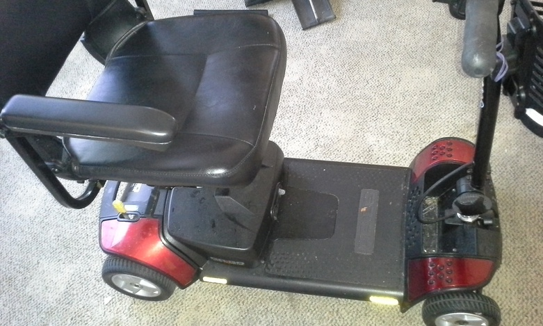 Mobility scooter and mechanical bed for sale...-20150110_111659-jpg