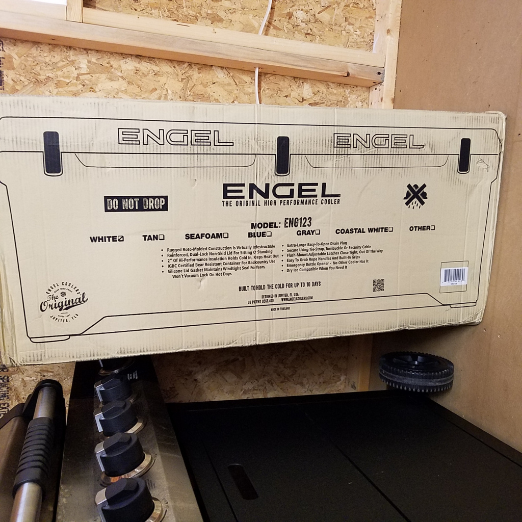 ENGEL 123 ( Roto-Mold 10 Day Cooler) BRAND NEW IN BOX-20191101_165317-jpg