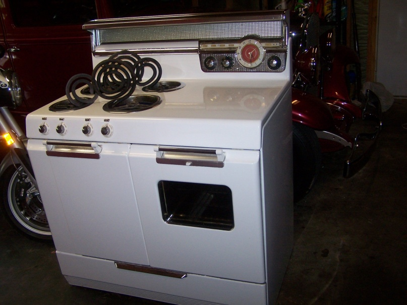 Vintage early 50's Frigidaire / GM Electric stove Minty-3-jpg