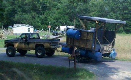 Redneck Pontoon boat-6288_1213645700964_1223433948_30626334_3451489_n-jpg