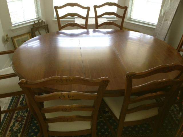 lots of furniture for sale-clara-dinette-jpg