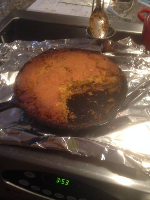 cornbread chili pie-cornbread-chili-pie-jpg