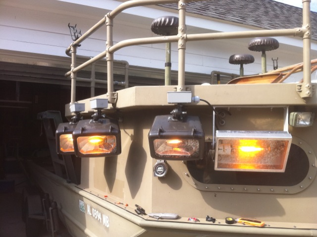 lookin for a good designed of a rail on the bow-flounderlights-jpg