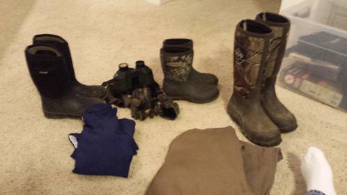 kids, teens and adult boots, under armour, bino gloves-forumrunner_20131112_193530-jpg