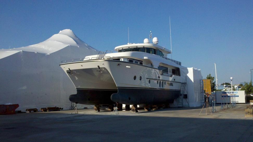 Busy day at the boatyard-horizon-cat-jpg