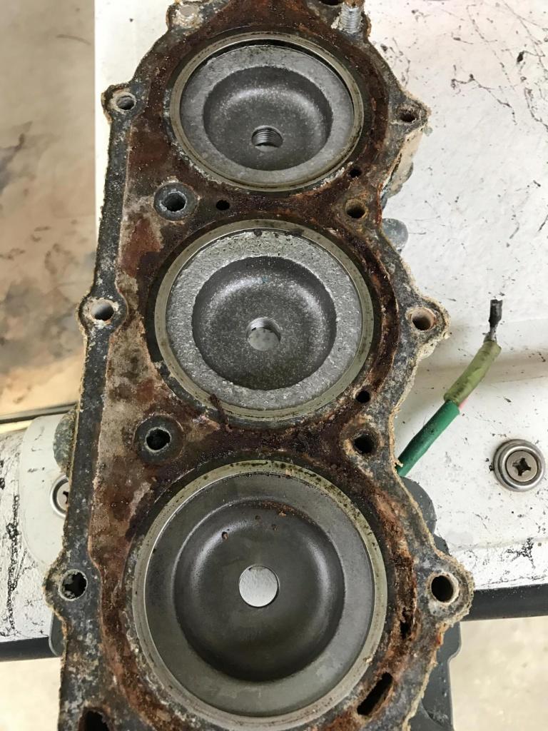 Piston and head pitting - Yamaha 2 stroke-img_0380_1492743474813-jpg