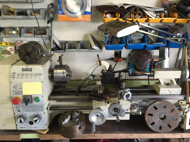Metal lathe, Grizzly G0602 with extras (mobile) - Pensacola