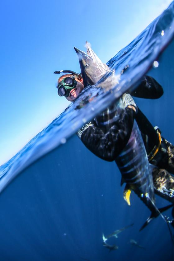 1/24 Spearing Wahoo and Big Mako - Freediving-img_4093-jpg