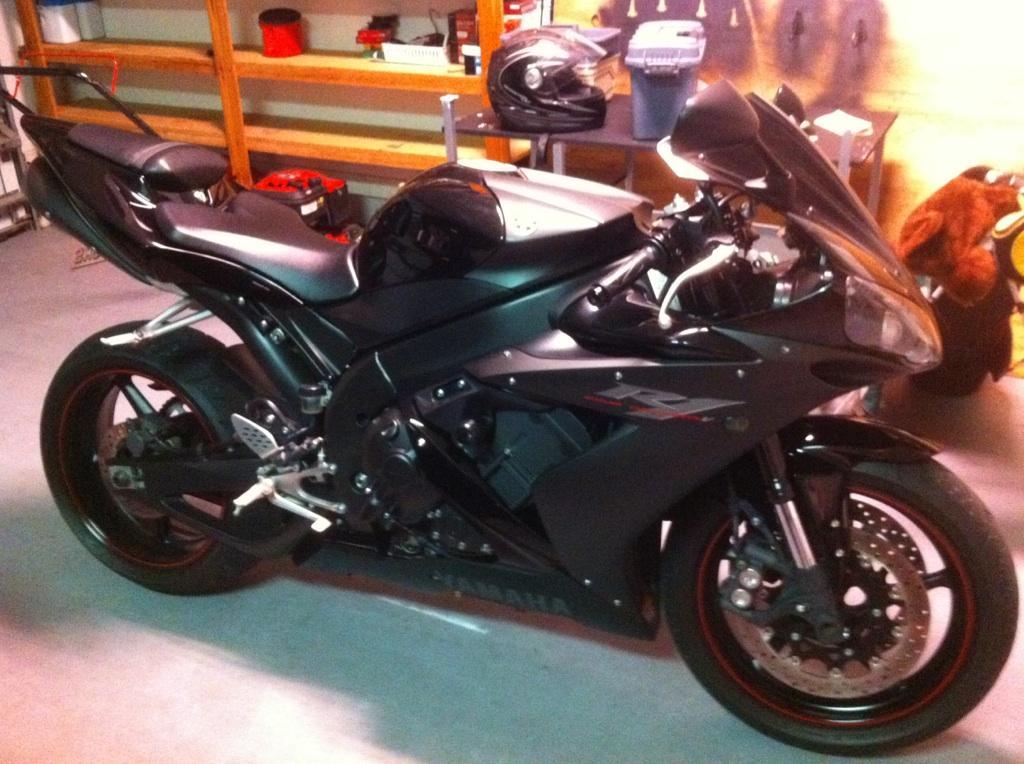 2006 Yamaha R1-moto-jpg
