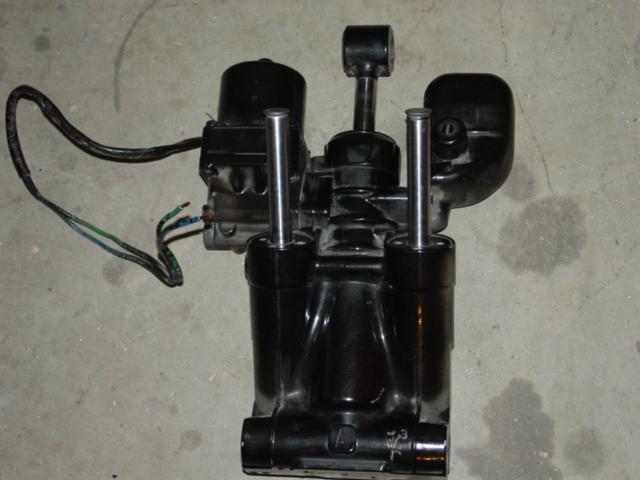 Johnson Evinrude Fast Track Tilt and Trim Unit w/sender-motors-432-jpg