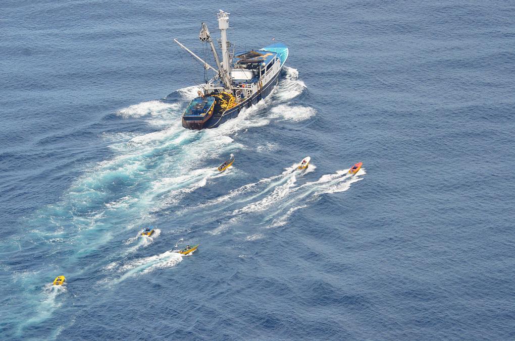 David vs. Goliath: Battle for Costa Rica's tuna-seinerw-speedboats-jpg