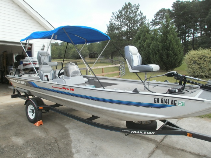 Aluminum boats for sale bass pro for Bass pro fishing sale