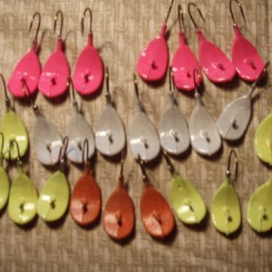 3/8 Wobble jigs. Super glow, to be tied.