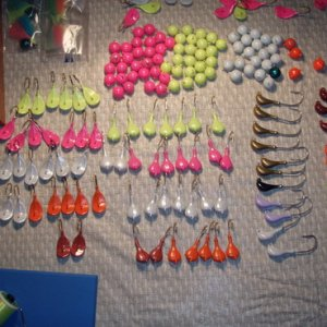 Time to tie: Pompano: 75 1/2 oz. Earball Gamakatsu SC15 2/0 30 3/8 oz. Wobble black nickel 32746 2/0 30 1/2 oz. Sparkie EC 413 2/0 Redfish: 20 3/8 oz.