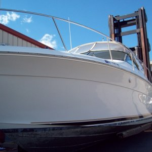 34 ft. Sea Ray Crusior - compound and wax (full detail)