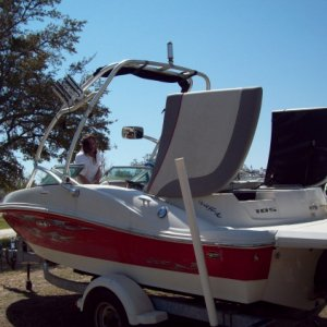 2008 - 185 Sea Ray (Full detail include compound and wax)