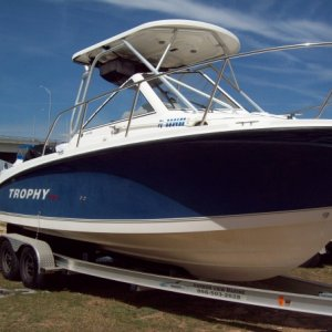 2000 - 24 ft. Trophy - (Full detail include compound and wax)